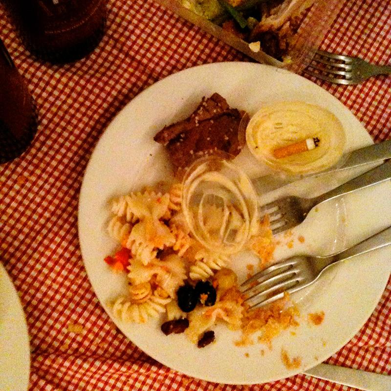 Un repas abandonné.